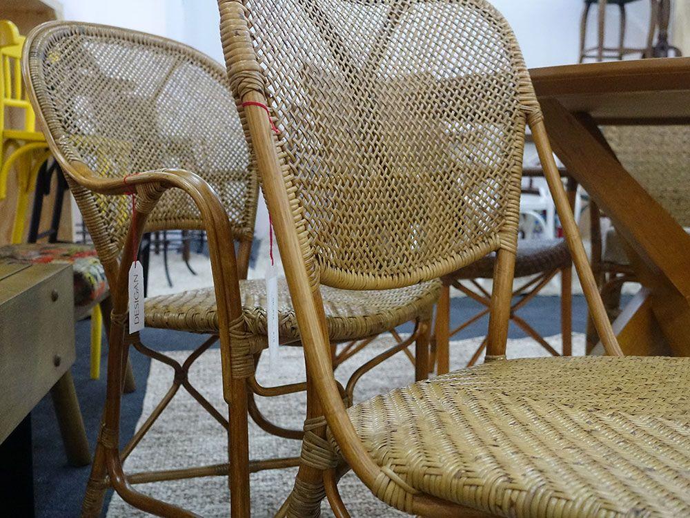 A foto não faz jus mas essas cadeiras são lindas, da Desigan