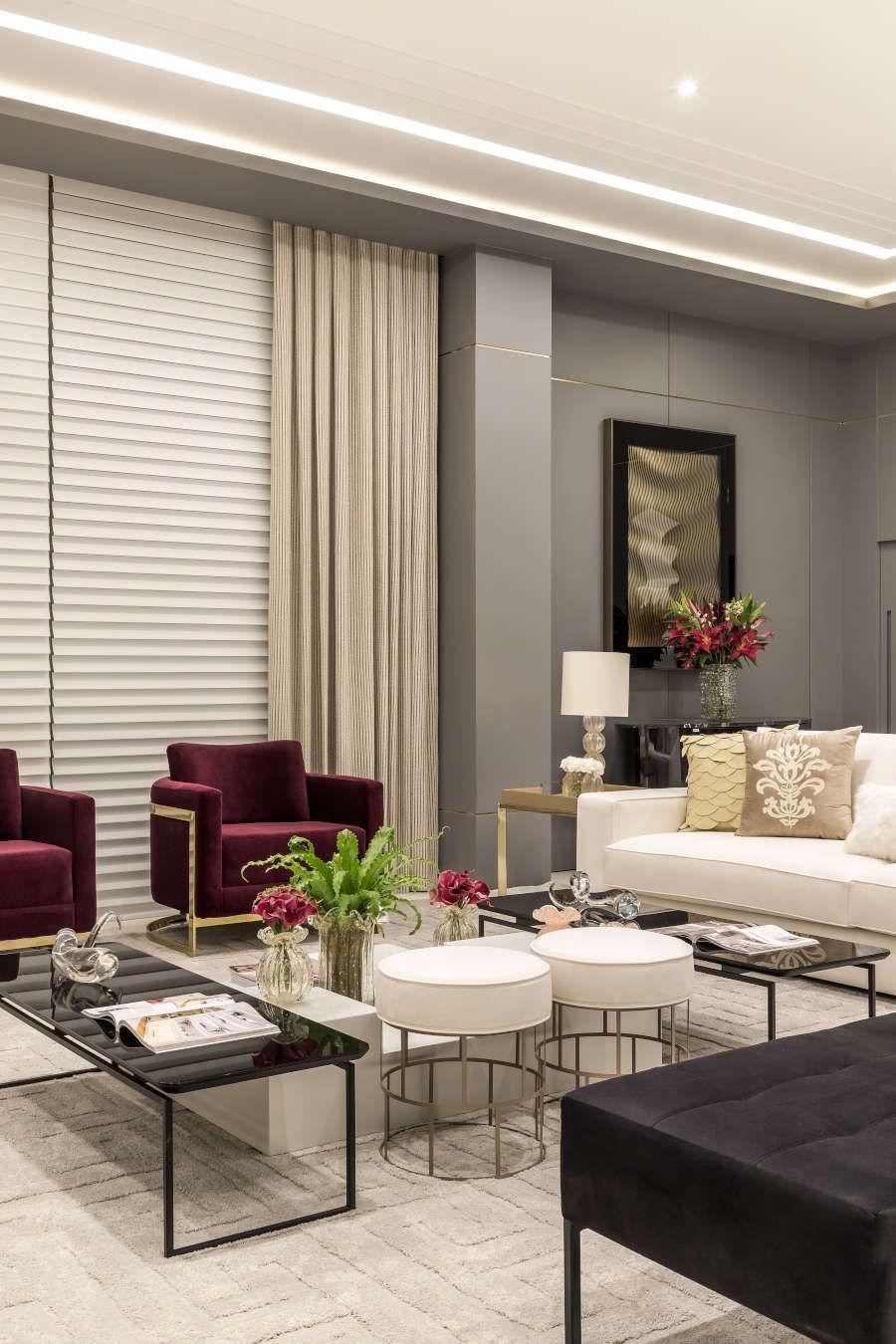 Sala de estar com decoração clássica CasaCor