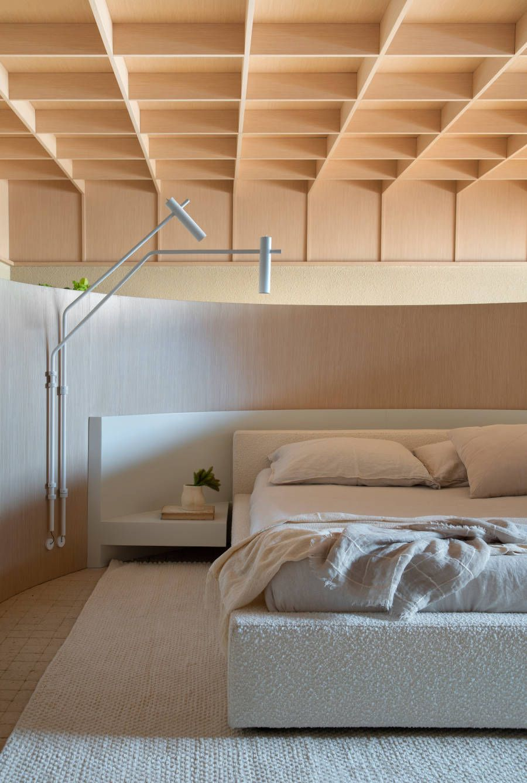 Quarto minimalista formas orgânicas CasaCor